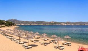 private-beach-sardinia3